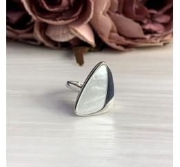 Серебряное кольцо SilverBreeze с натуральным перламутром (2005483) 17 размер