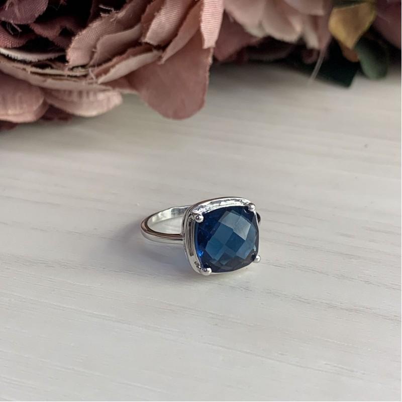 Серебряное кольцо SilverBreeze с натуральным топазом Лондон Блю (1937563) 19 размер