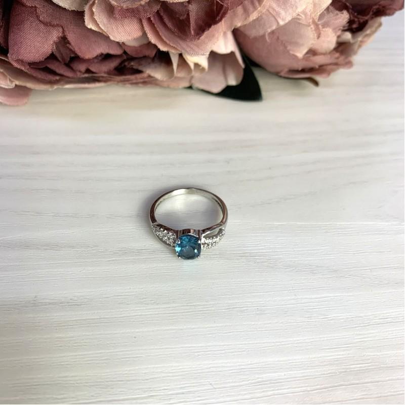Серебряное кольцо SilverBreeze с натуральным топазом Лондон Блю (1533024) 17 размер