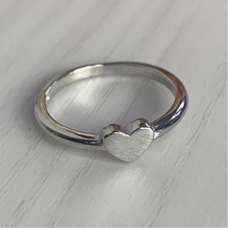 Серебряное кольцо SilverBreeze без камней (2002123) 17.5 размер